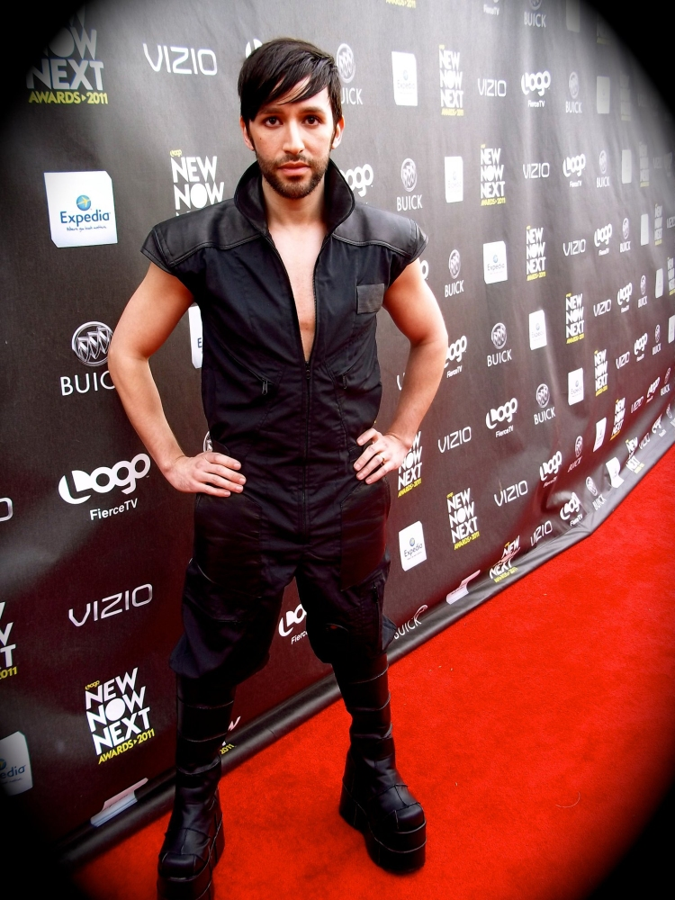 SIRPAUL Red Carpet 2011 Logo NewNowNext Awards